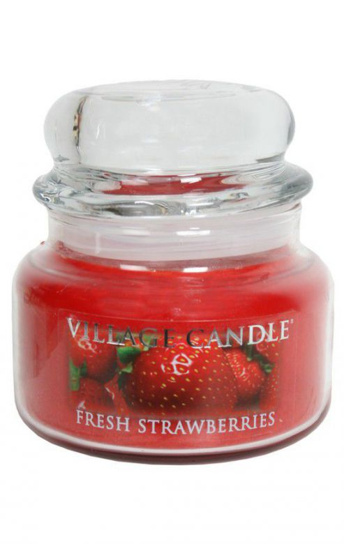 Mała świeca zapachowa Village Candle Fresh Strawberries